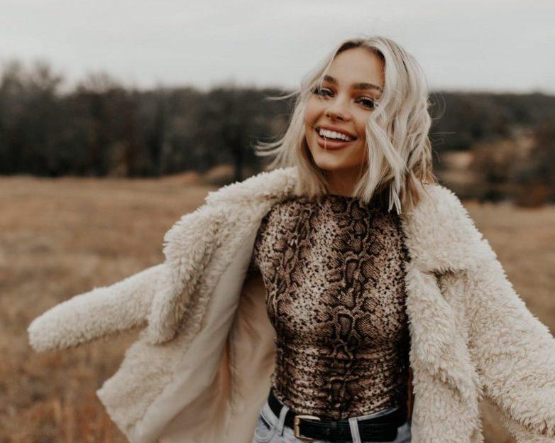 Sara Hollinger, Stylist Lemongrass